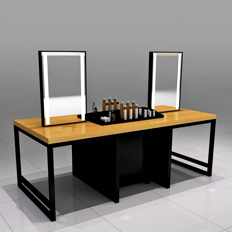 Beauty Try Out Table